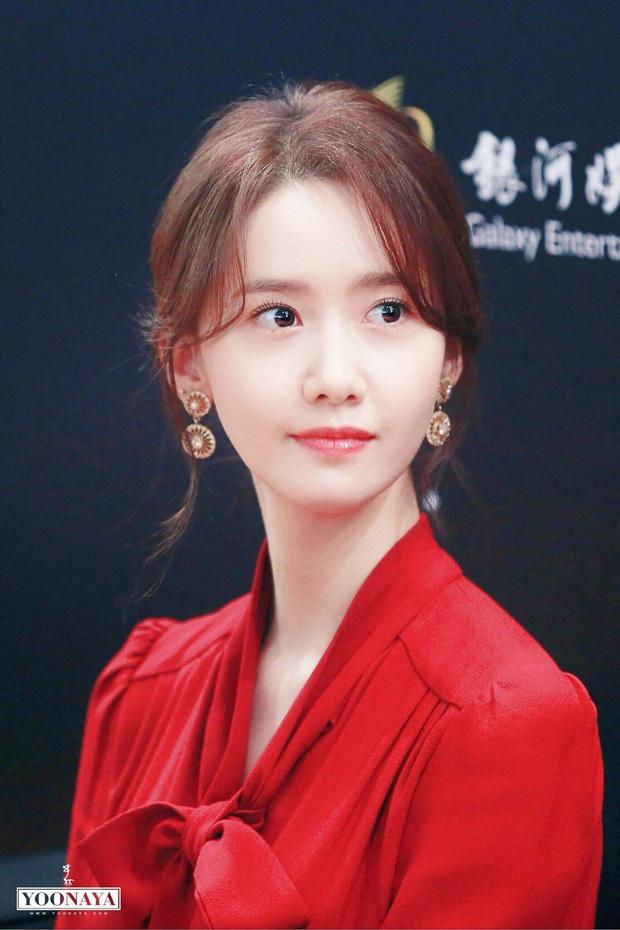 4 nữ diễn viên Hàn Quốc đổ bộ AAA 2019 từ mỹ nhân dao kéo đến nữ hoàng cảnh nóng toàn sao profile khủng - Ảnh 1.
