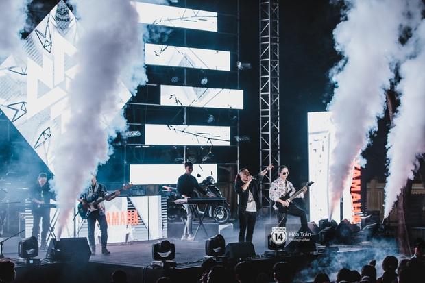 Yamaha Road to Ravolution: DJ Battle tại Đà Nẵng: Trung Quân Idol rủ rê Phùng Khánh Linh và Xesi lập nhóm nhạc - trận thư hùng bất phân thắng bại - Ảnh 9.
