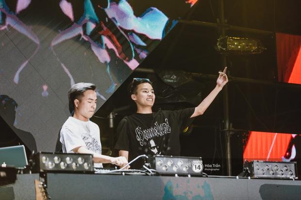 Yamaha Road to Ravolution: DJ Battle tại Đà Nẵng: Trung Quân Idol rủ rê Phùng Khánh Linh và Xesi lập nhóm nhạc - trận thư hùng bất phân thắng bại - Ảnh 3.