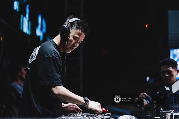 Yamaha Road to Ravolution: DJ Battle tại Đà Nẵng: Trung Quân Idol rủ rê Phùng Khánh Linh và Xesi lập nhóm nhạc - trận thư hùng bất phân thắng bại - Ảnh 11.