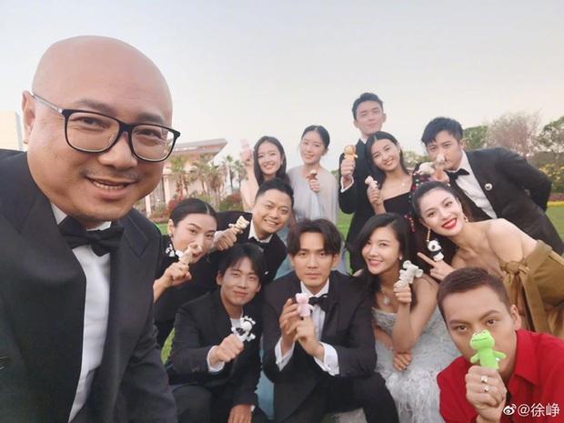 Ngô Lỗi nhìn bạn diễn không chớp mắt ở Kim Mã 2019, netizen nôn nóng đòi Sủng Ái mau mau chiếu! - Ảnh 6.