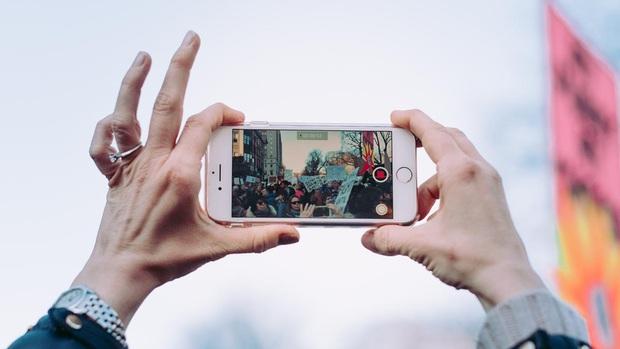 Lưu nhanh mẹo nhỏ cực hay giúp bạn tạo ra những bức ảnh GIF để đời chỉ với smartphone - Ảnh 1.