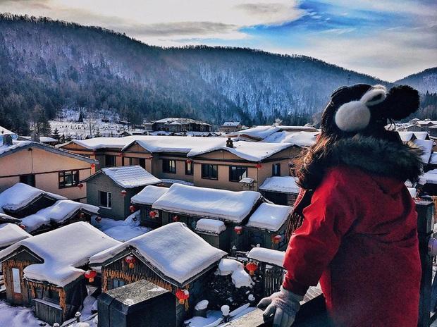"""Ngôi làng tuyết trắng đẹp không thua phim kiếm hiệp ở Trung Quốc, nhìn ảnh trên mạng và ngoài đời quả xứng tầm """"cực phẩm"""" - Ảnh 1."""