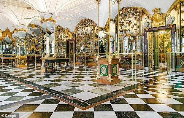 Từng mạnh miệng tuyên bố là an toàn bậc nhất hành tinh, bảo tàng Đức bị trộm khoắng mất 25,5 nghìn tỷ chỉ trong một buổi sáng - Ảnh 2.