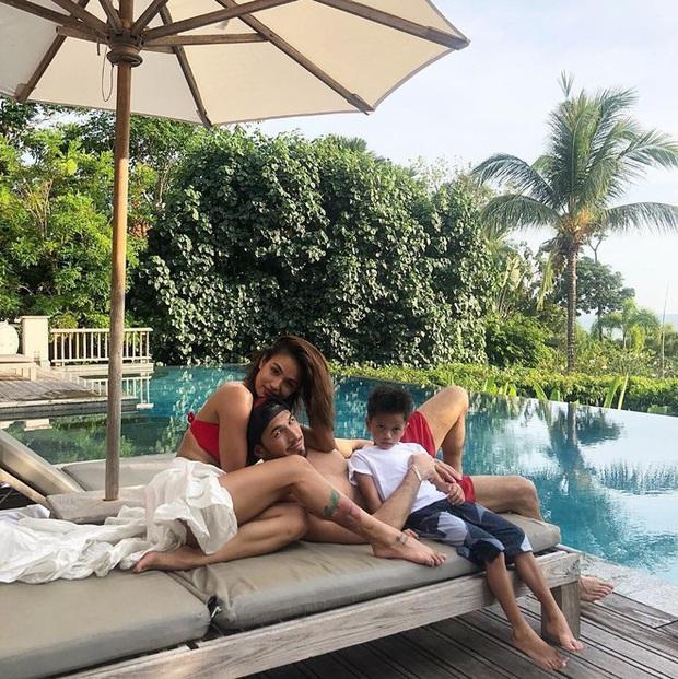 Chị gái cầu thủ giàu nhất thế giới: Xinh đẹp, nóng bỏng và anh chồng cũng cực kỳ điển trai  - Ảnh 4.