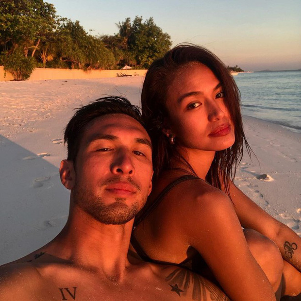 Chị gái cầu thủ giàu nhất thế giới: Xinh đẹp, nóng bỏng và anh chồng cũng cực kỳ điển trai  - Ảnh 3.