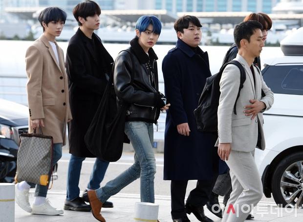 Dàn sao từ Hàn sang Hà Nội dự AAA sáng nay: Yoona buồn bã, Jang Dong Gun, GOT7 vừa khởi hành, sân bay đầy không khí đau thương - Ảnh 8.