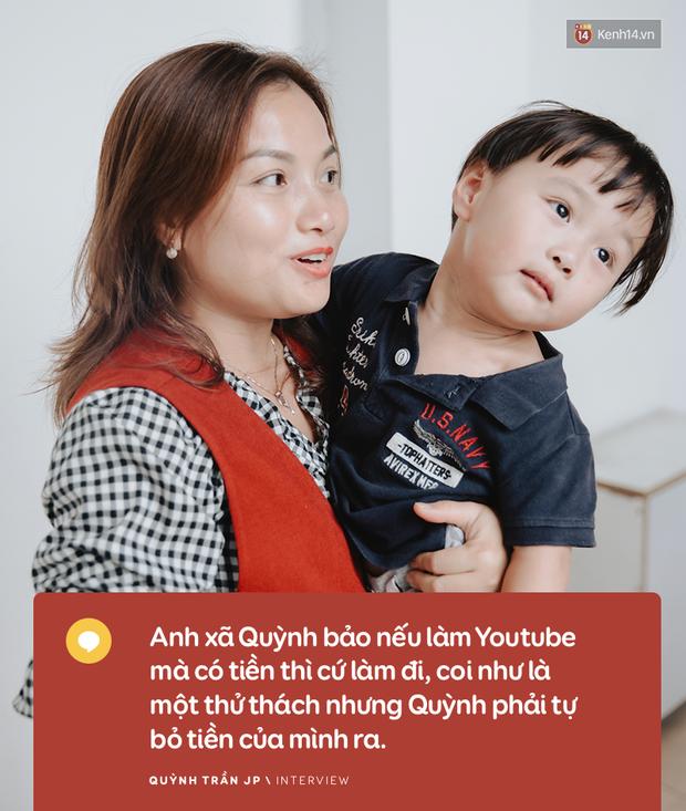"""Trò chuyện độc quyền với mẹ con Youtuber Quỳnh Trần - bé Sa: """"Thời gian đầu ông xã còn sợ mình làm khùng làm điên trên mạng không ai coi!"""" - Ảnh 6."""