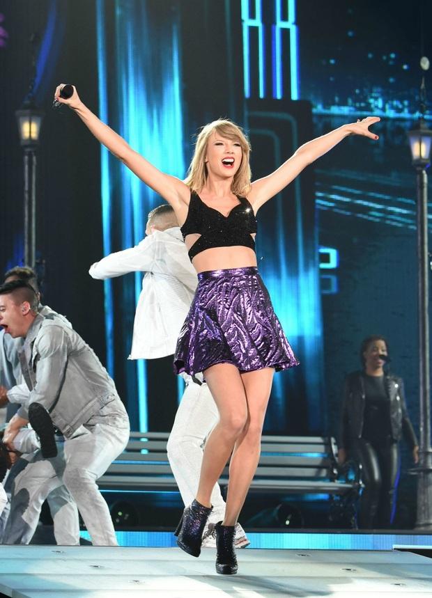 10 năm, 5 album và loạt kỉ lục, chẳng ai có thể phủ nhận Taylor Swift là nghệ sĩ nổi bật nhất trong thập kỉ vừa qua! - Ảnh 10.