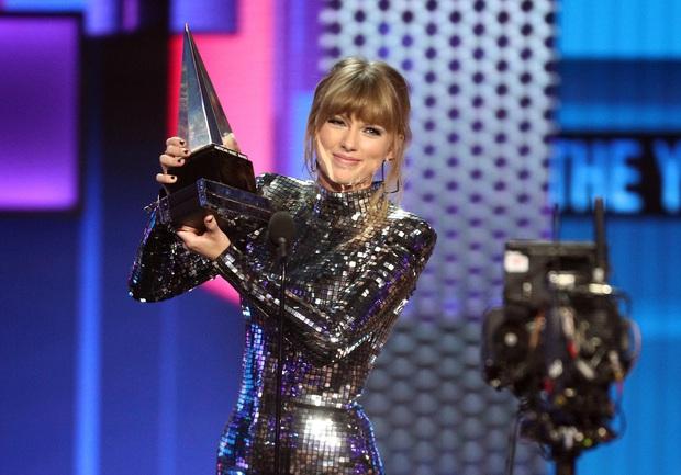 10 năm, 5 album và loạt kỉ lục, chẳng ai có thể phủ nhận Taylor Swift là nghệ sĩ nổi bật nhất trong thập kỉ vừa qua! - Ảnh 14.