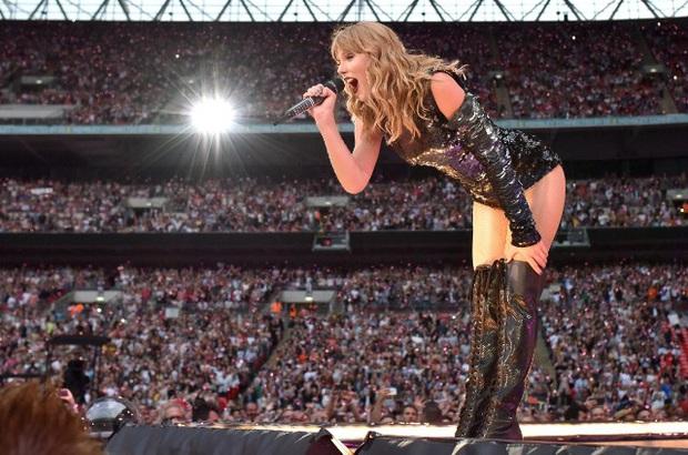 10 năm, 5 album và loạt kỉ lục, chẳng ai có thể phủ nhận Taylor Swift là nghệ sĩ nổi bật nhất trong thập kỉ vừa qua! - Ảnh 13.