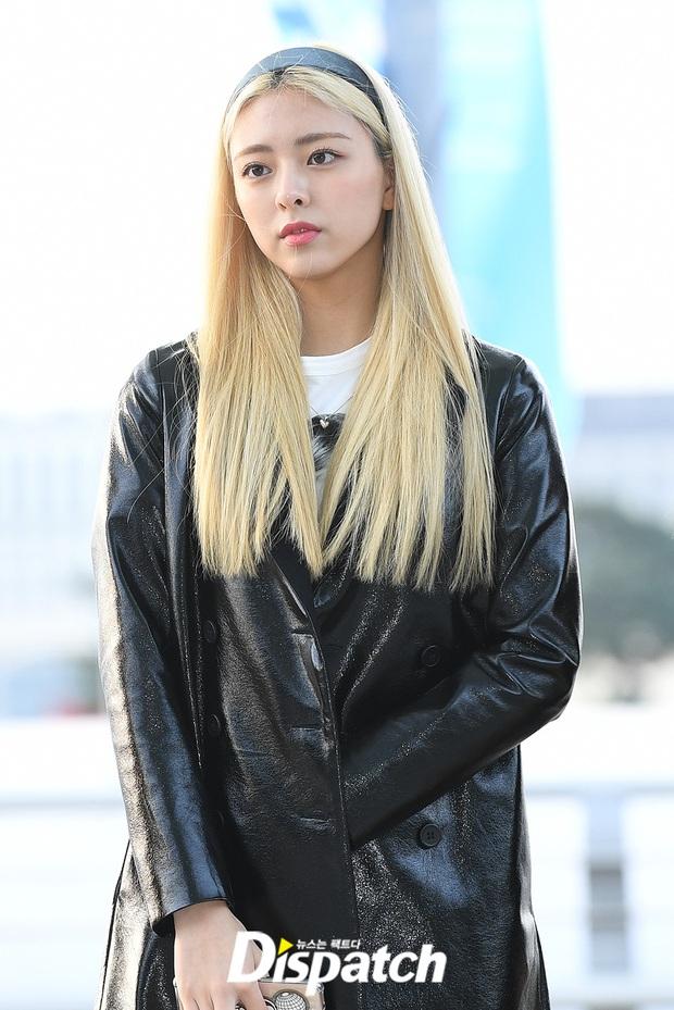 Dàn sao từ Hàn sang Hà Nội dự AAA sáng nay: Yoona buồn bã, Jang Dong Gun, GOT7 vừa khởi hành, sân bay đầy không khí đau thương - Ảnh 23.