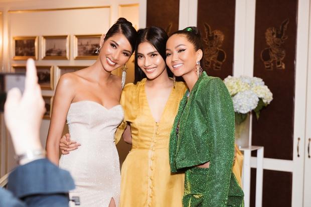 HHen Niê tiết lộ về sự cố tại Miss Universe, khuyên Hoàng Thùy mặc thử trang phục dân tộc 2 tiếng để kiểm tra - Ảnh 1.