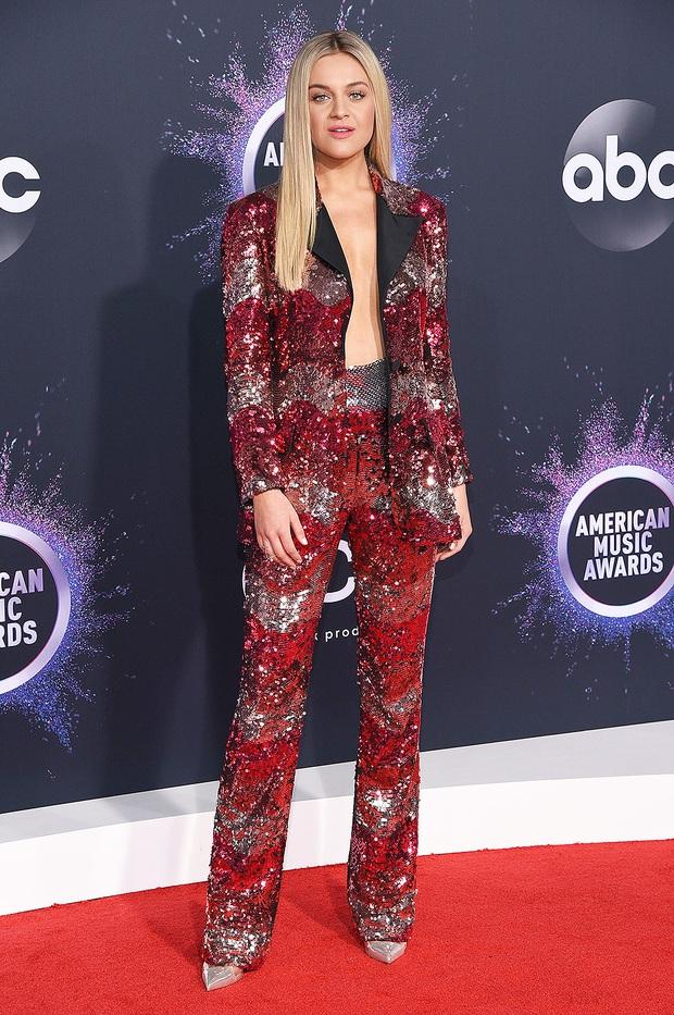 Dàn sao lên đồ xuất sắc nhất AMAs 2019: Selena Gomez chiếm spotlight nhưng bất ngờ nhất là màn chặt đẹp nhiều đàn chị của ngôi sao Netflix - Ảnh 14.