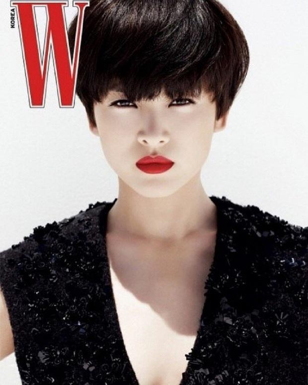Song Hye Kyo khi để tóc ngắn ngủn: Người khen đẹp, người kêu nam tính, thậm chí còn giống Lee Min Ho? - Ảnh 1.