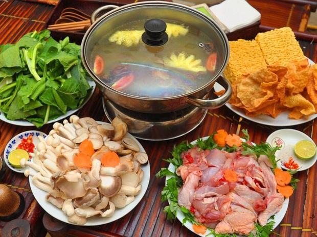 Ăn lẩu vào ngày lạnh: Những loại rau nên tránh nhúng vì có thể sản sinh độc tố gây nguy hại cho sức khỏe - Ảnh 2.