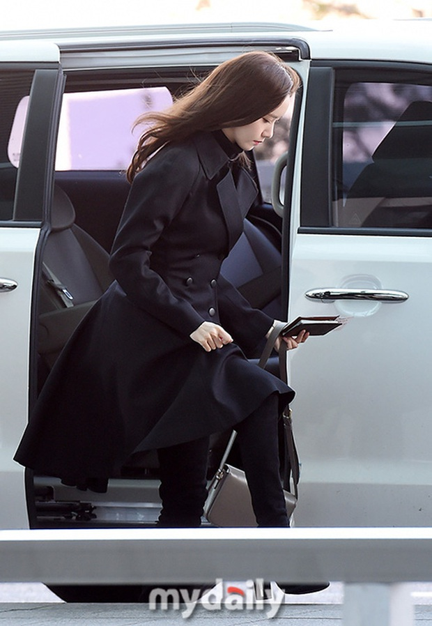 Yoona xuất hiện nhanh như chớp vẫn khiến sân bay Việt vỡ trận vì nhan sắc xinh đẹp xứng danh nữ thần Kbiz! - Ảnh 12.