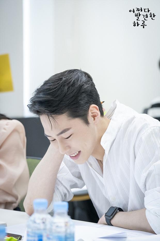Baek Kyung cục cằn Lee Jae Wook của Extraordinary You: Đã mê là không lối thoát, phản diện tiềm năng màn ảnh xứ Hàn - Ảnh 2.