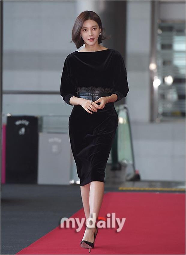 Lễ trao giải Văn hóa Hàn Quốc: Ông bố hai con Bi Rain tái xuất cực phong độ, hầu hết các sao đều chọn trang phục tối màu sau sự ra đi của Goo Hara - Ảnh 11.