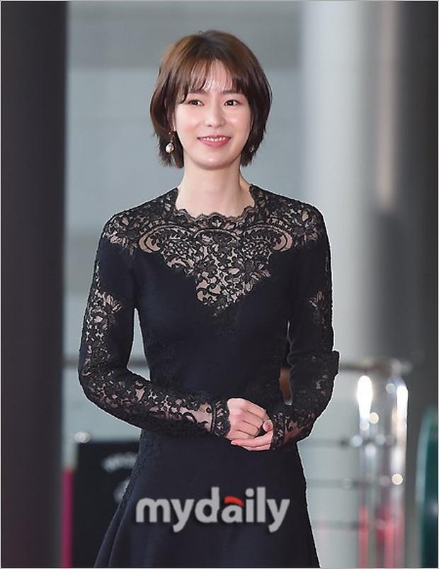 Lễ trao giải Văn hóa Hàn Quốc: Ông bố hai con Bi Rain tái xuất cực phong độ, hầu hết các sao đều chọn trang phục tối màu sau sự ra đi của Goo Hara - Ảnh 4.