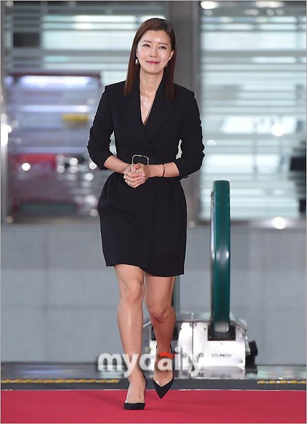 Lễ trao giải Văn hóa Hàn Quốc: Ông bố hai con Bi Rain tái xuất cực phong độ, hầu hết các sao đều chọn trang phục tối màu sau sự ra đi của Goo Hara - Ảnh 5.