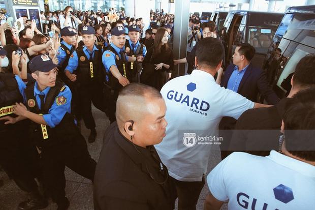 Yoona xuất hiện nhanh như chớp vẫn khiến sân bay Việt vỡ trận vì nhan sắc xinh đẹp xứng danh nữ thần Kbiz! - Ảnh 6.