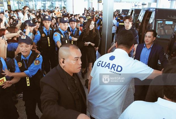 Yoona xuất hiện nhanh như chớp vẫn khiến sân bay Việt vỡ trận vì nhan sắc xinh đẹp xứng danh nữ thần Kbiz! - Ảnh 7.