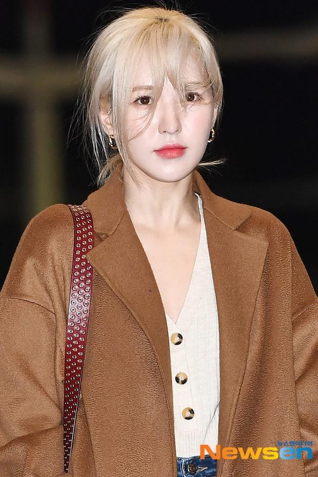 Dàn sao từ Hàn sang Việt Nam chiều nay dự AAA: Red Velvet - TWICE đụng độ, Kang Daniel đi cùng Jihyo? - Ảnh 5.