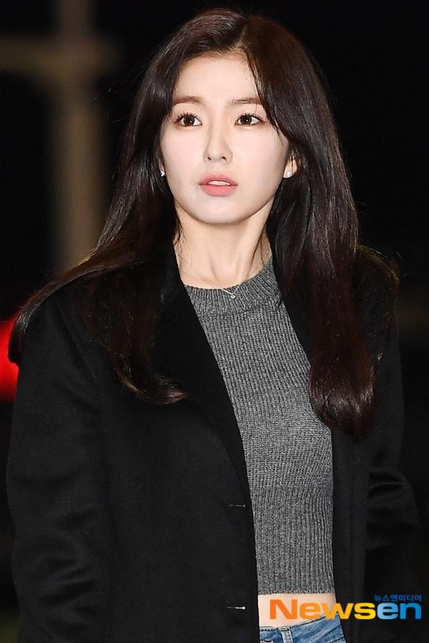 Dàn sao từ Hàn sang Việt Nam chiều nay dự AAA: Red Velvet - TWICE đụng độ, Kang Daniel đi cùng Jihyo? - Ảnh 3.