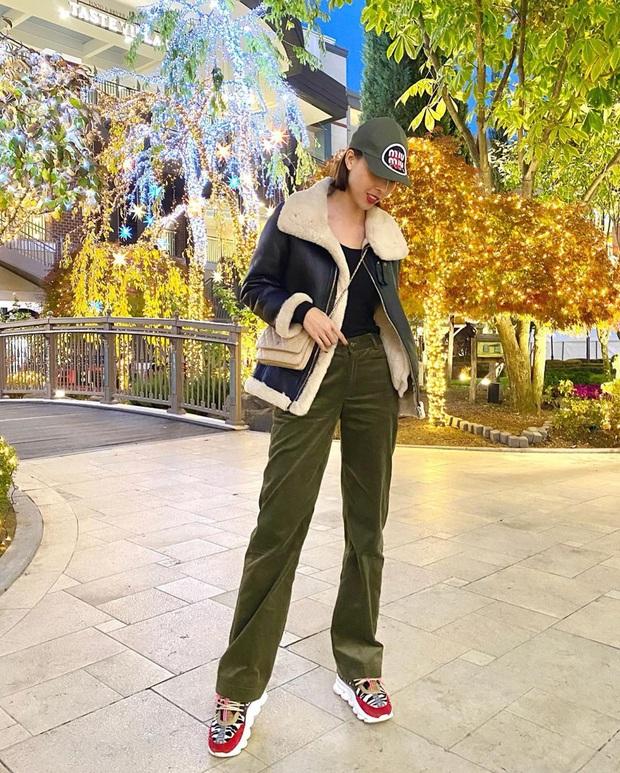 Street style sao Việt tuần qua: Ngọc Trinh thời trang phang thời tiết, Sĩ Thanh lên đồ đơn giản nhưng sang hơn mấy chân kính - Ảnh 10.