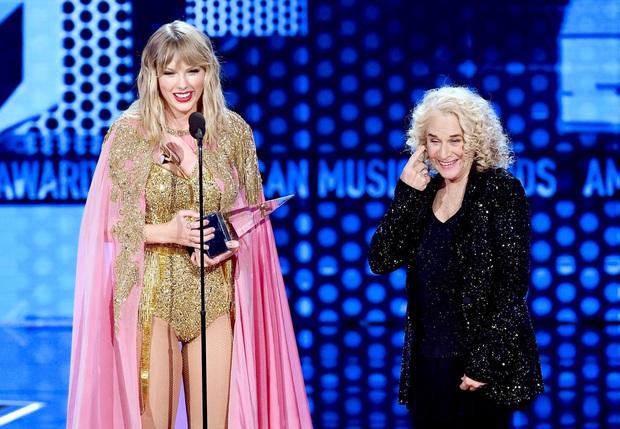 Taylor Swift rơm rớm phát biểu nhận giải Nghệ sĩ của thập kỷ: Mặc bao thị phi, hôm nay là ngày vinh quang nhất trong sự nghiệp của Rắn Chúa - Ảnh 2.