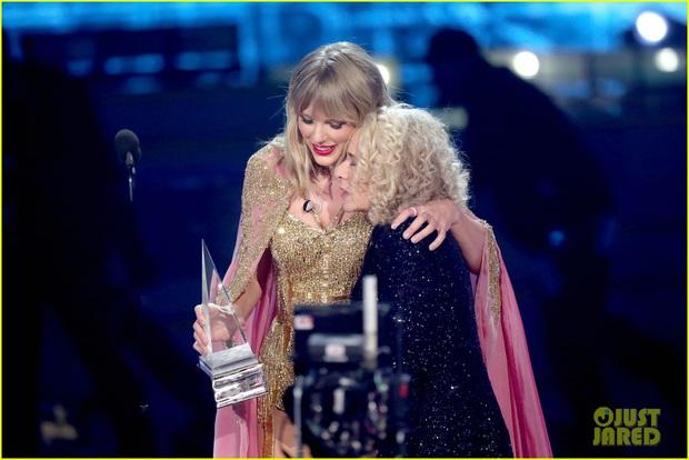 Taylor Swift rơm rớm phát biểu nhận giải Nghệ sĩ của thập kỷ: Mặc bao thị phi, hôm nay là ngày vinh quang nhất trong sự nghiệp của Rắn Chúa - Ảnh 3.