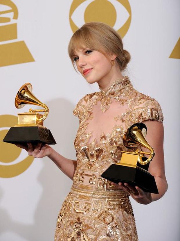 10 năm, 5 album và loạt kỉ lục, chẳng ai có thể phủ nhận Taylor Swift là nghệ sĩ nổi bật nhất trong thập kỉ vừa qua! - Ảnh 5.