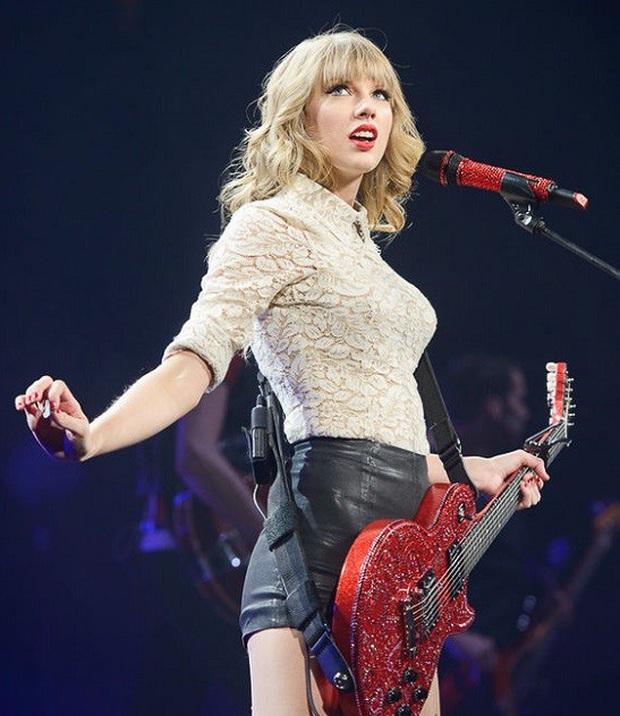 10 năm, 5 album và loạt kỉ lục, chẳng ai có thể phủ nhận Taylor Swift là nghệ sĩ nổi bật nhất trong thập kỉ vừa qua! - Ảnh 6.