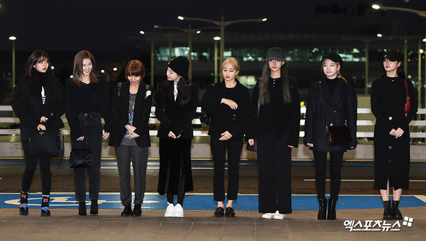Dàn sao từ Hàn sang Việt Nam chiều nay dự AAA: Red Velvet - TWICE đụng độ, Kang Daniel đi cùng Jihyo? - Ảnh 9.