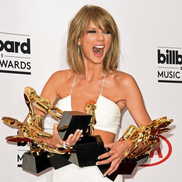 10 năm, 5 album và loạt kỉ lục, chẳng ai có thể phủ nhận Taylor Swift là nghệ sĩ nổi bật nhất trong thập kỉ vừa qua! - Ảnh 9.