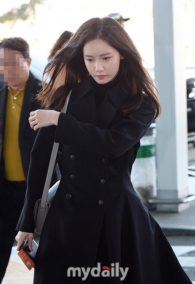 Dàn sao từ Hàn sang Hà Nội dự AAA sáng nay: Yoona buồn bã, Jang Dong Gun, GOT7 vừa khởi hành, sân bay đầy không khí đau thương - Ảnh 7.