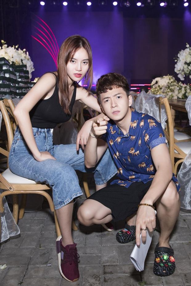 Đông Nhi chính là khách mời đầu tiên trong show 10 năm của Ngô Kiến Huy, thử đoán xem 6 người còn lại là ai? - Ảnh 8.