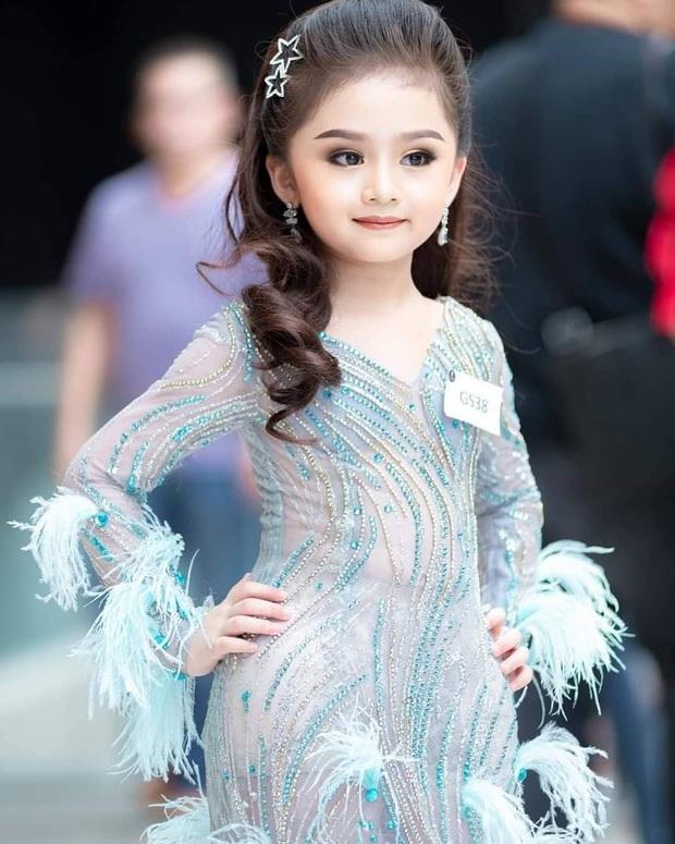 Hoa hậu nhí Thái Lan gây sốt Weibo: Chỉ mới 6 tuổi nhưng nhan sắc, thần thái được ví là Tiểu Baifern - Ảnh 3.