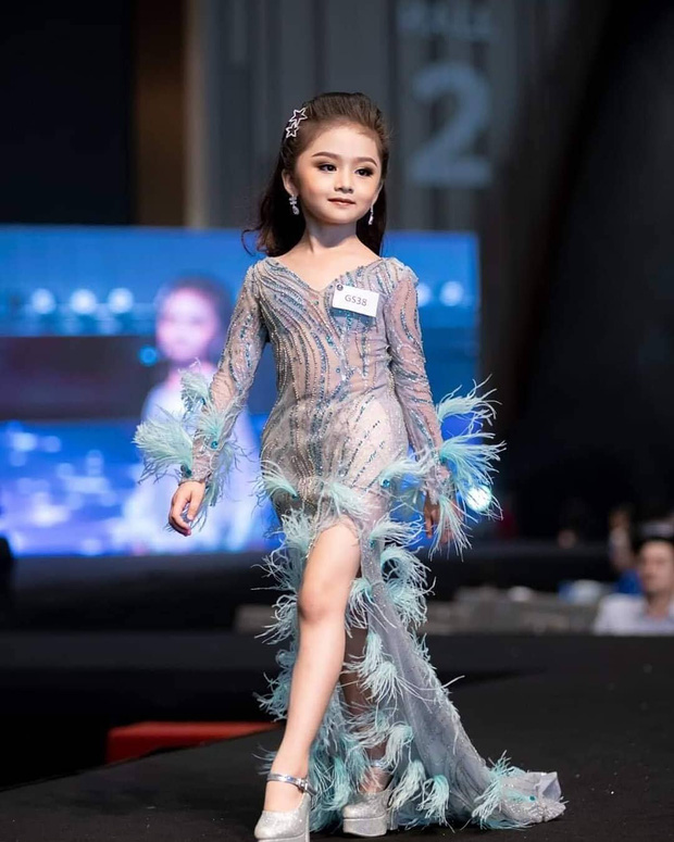 Hoa hậu nhí Thái Lan gây sốt Weibo: Chỉ mới 6 tuổi nhưng nhan sắc, thần thái được ví là Tiểu Baifern - Ảnh 5.