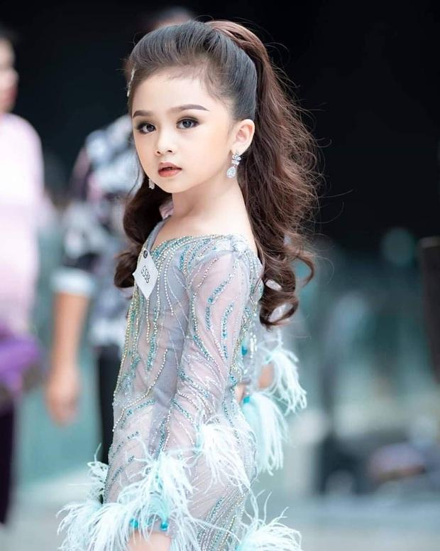 Hoa hậu nhí Thái Lan gây sốt Weibo: Chỉ mới 6 tuổi nhưng nhan sắc, thần thái được ví là Tiểu Baifern - Ảnh 6.