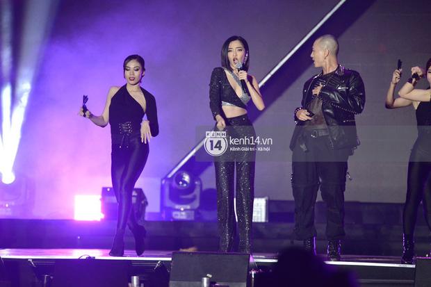 Kinh ngạc fanchant dành cho Đi Đu Đưa Đi của Bích Phương tại AAA 2019: Khi tất cả fandom Kpop hoà chung một nhịp cổ vũ nghệ sĩ Việt - Ảnh 2.