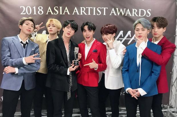 AAA 2019 gây tranh cãi về giải thưởng như thông lệ: BTS trắng tay khó hiểu, nhiều Daesang bất thường kèm hàng loạt tên giải... không hiểu là gì - Ảnh 7.