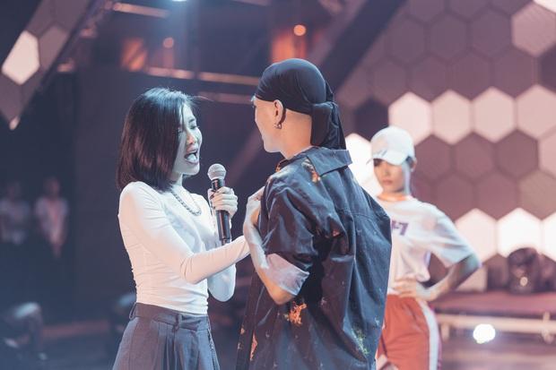 Rò rỉ tin đồn: TWICE sẽ hát tiếng Việt, Bích Phương có màn collab với nghệ sĩ Hàn tại AAA 2019? - Ảnh 12.