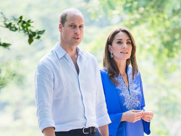 Công nương Kate và em dâu Meghan Markle dính nghi án cùng mang bầu, sinh con vào năm sau vì một loạt dấu hiệu bất thường - Ảnh 1.