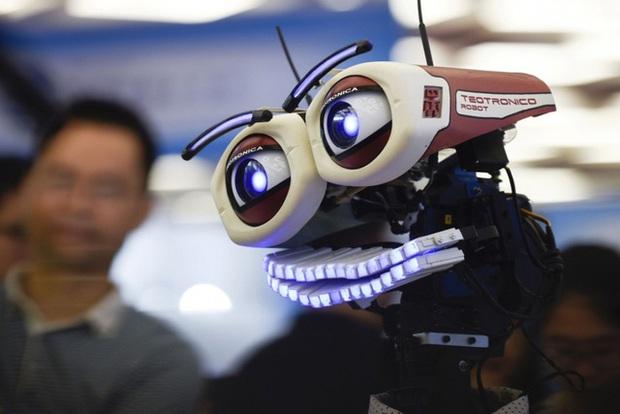 Bloomberg: Công nghệ sẽ thay thế con người hay tạo ra một thế hệ xuất chúng hơn? - Ảnh 3.