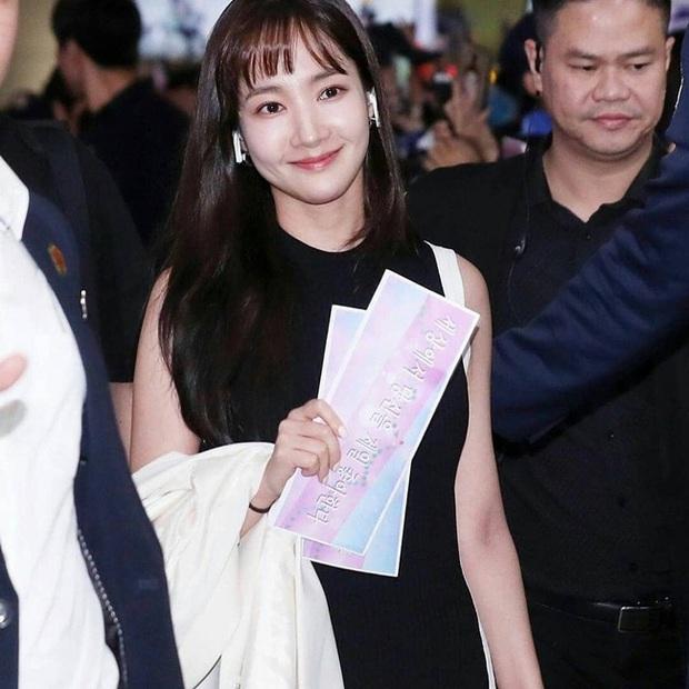 Park Min Young, Park Shin Hye... hay cả Han Ji Won đã ngoài 40: Tất cả những nàng có tuổi của Hàn đều đang hồi xuân nhan sắc nhờ tóc mái lưa thưa  - Ảnh 4.