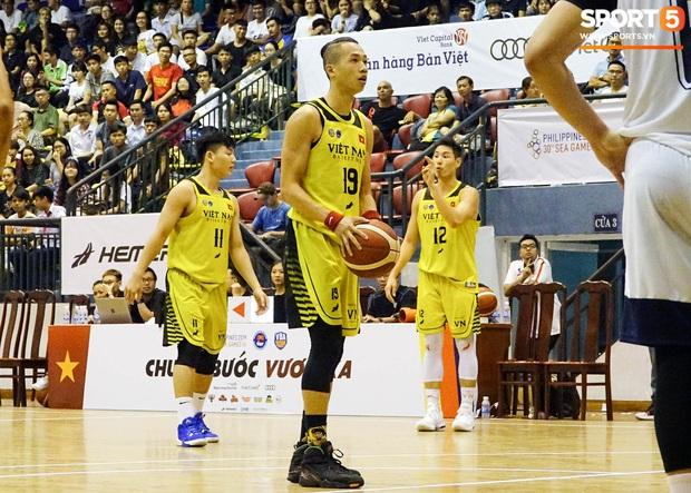 Đinh Thanh Sang: Tuyển thủ bóng rổ mang áo số giống Quang Hải và ước mơ tạo nên kỳ tích như bóng đá Việt Nam - Ảnh 2.