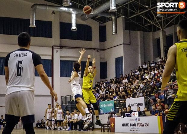 Đinh Thanh Sang: Tuyển thủ bóng rổ mang áo số giống Quang Hải và ước mơ tạo nên kỳ tích như bóng đá Việt Nam - Ảnh 1.