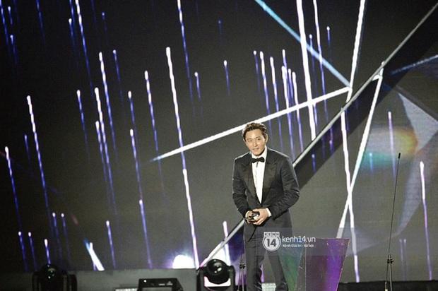 Sau hàng loạt sự cố, BTC AAA tiếp tục phạm lỗi nghiêm trọng, lại còn liên quan đến tài tử quan trọng nhất lễ trao giải Jang Dong Gun - Ảnh 2.